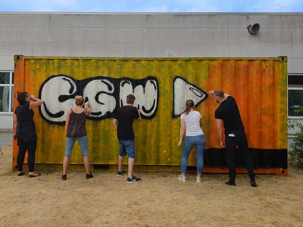 Upcycling vom Feinsten: Graffiti-Aktion am CGW-Container